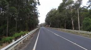 延々と続くシドニーへの道